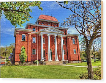 Old Ashe Courthouse Wood Print by Dale R Carlson