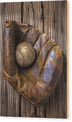 Old Baseball Mitt And Ball Wood Print by Garry Gay