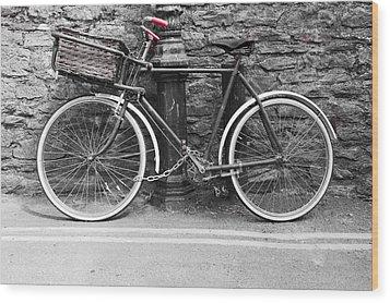 Old Bicycle Wood Print
