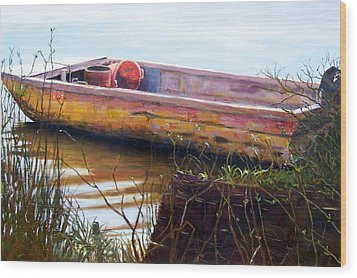 Old Boat At Mcclellandville Wood Print by Elaine Schulstad