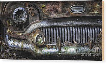 Old Buick Front End Wood Print by Walt Foegelle