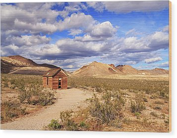Wood Print featuring the photograph Old Cabin At Rhyolite by James Eddy