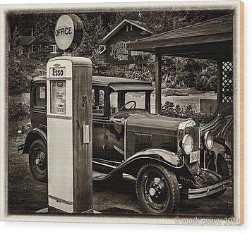 Old Car @ Gas Station Wood Print
