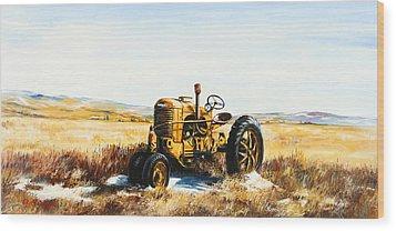 Old Case Tractor Wood Print by Gary Wynn