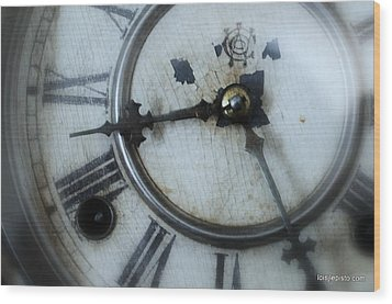 Old Clock Face Wood Print by Lois Lepisto