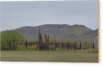 Old Corral Wood Print by Gordon Beck