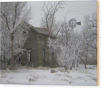 Old Deserted Farmstead Wood Print by Deena Keller