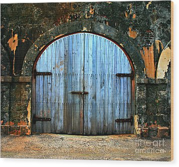Old Fort Doors Wood Print by Perry Webster