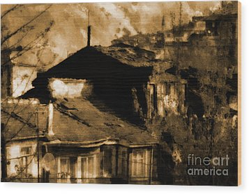 Wood Print featuring the photograph Old Istanbul by Dariusz Gudowicz