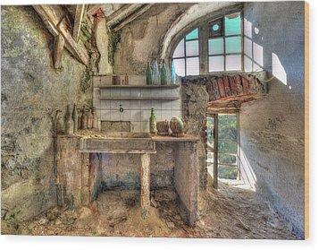 Old Kitchen - Vecchia Cucina Wood Print