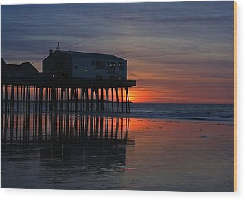 Old Orchard Beach Sunrise Wood Print by Laurie Breton
