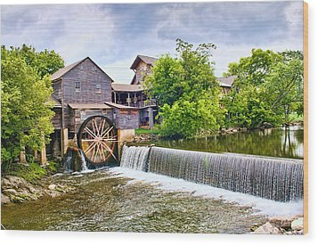 Old Pigeon Forge Mill Wood Print