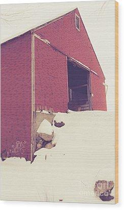 Old Red Barn In Winter Wood Print by Edward Fielding