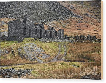 Wood Print featuring the photograph Old Ruin At Cwmorthin by Adrian Evans