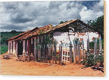 Old Stable Wood Print by Amarildo Correa
