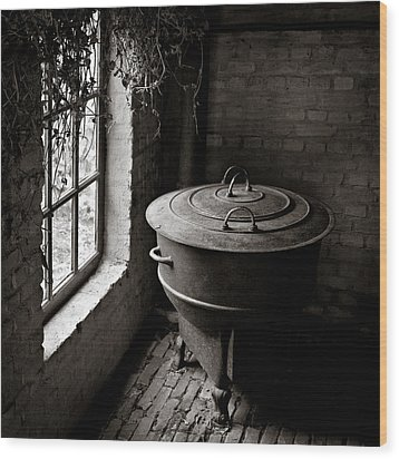 Old Stove Wood Print by Dave Bowman