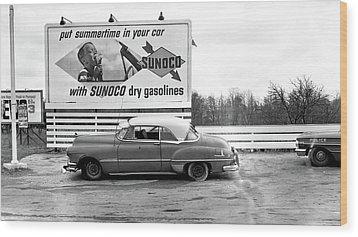 Old Sunoco Sign Wood Print by Paul Seymour
