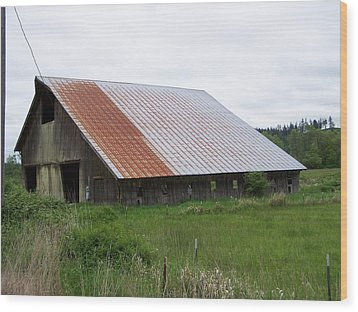 Old Tin Roof Barn Washington State Wood Print by Laurie Kidd