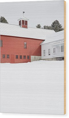 Old Traditional New England Farm In Winter Wood Print by Edward Fielding