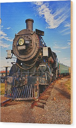 Old Train Wood Print by Garry Gay