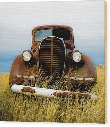 Old Truck In Field Wood Print by Emilio Lovisa