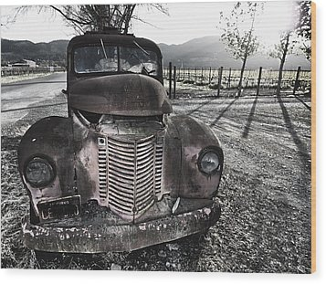 Old Truck In Napa Valley Wood Print by George Oze