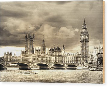 Old Westminster In London Wood Print by Vicki Jauron