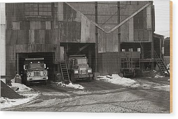 Olyphant Pa Coal Breaker Loading Trucks And Gondola Car Winter 1971 Wood Print