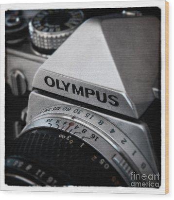 Wood Print featuring the photograph Om-1 - D010028b by Daniel Dempster