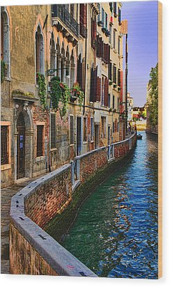 On The Canal-venice Wood Print
