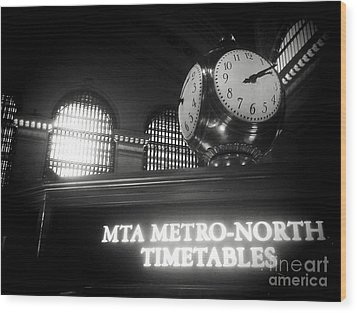 On Time At Grand Central Station Wood Print by James Aiken