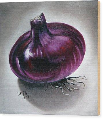 Onion Wood Print by Ilse Kleyn