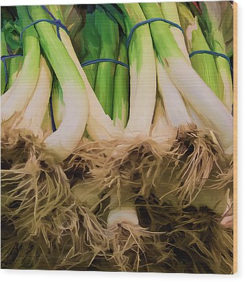 Onions 02 Wood Print by Wally Hampton