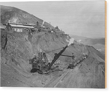 Open Pit United Verde Mine On Mountain Wood Print by Everett