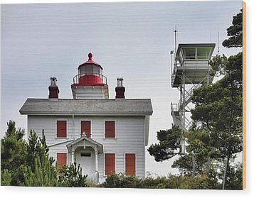 Oregon's Seacoast Lighthouses - Yaquina Bay Lighthouse - Old And New Wood Print by Christine Till