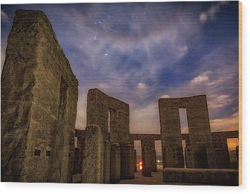 Wood Print featuring the photograph Orion Over Stonehenge Memorial by Cat Connor