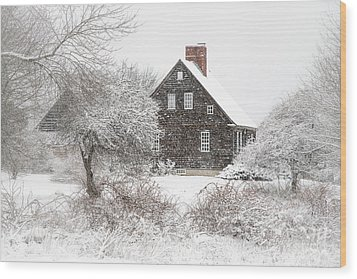 Orrs Island Home In A Snow Storm Wood Print by Benjamin Williamson