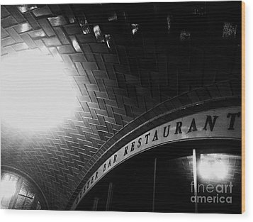 Oyster Bar At Grand Central Wood Print by James Aiken