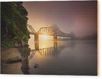 P And Le Ohio River Railroad Bridge Wood Print by Emmanuel Panagiotakis