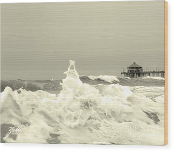 Wood Print featuring the photograph Pacific Love by Suzette Kallen