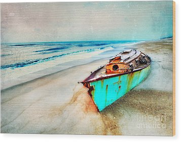 Painted Shipwreck On The Outer Banks II Wood Print by Dan Carmichael