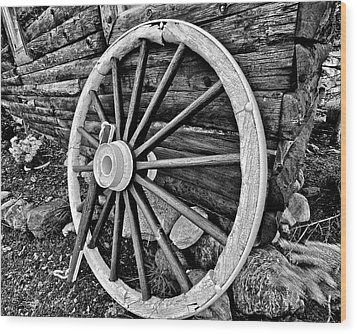 Painted Wagon Wood Print by Ed Boudreau
