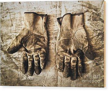 Pair Of Work Gloves In Monotone Wood Print by Emilio Lovisa