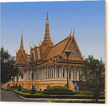 Palace At Phnom Phen Wood Print