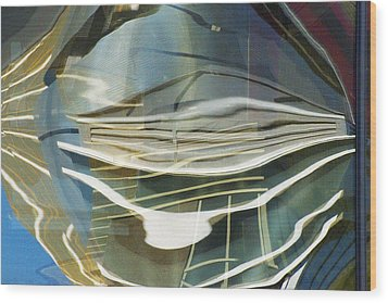 Palazo Hotel Reflection Wood Print by Richard Henne