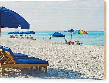 Panama City Beach Florida With Beach Chairs And Umbrellas Wood Print by Vizual Studio