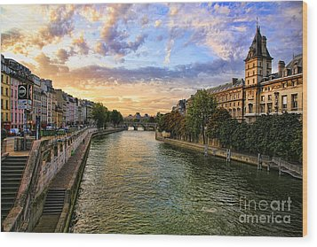 Paris The Seine River C Wood Print by Chuck Kuhn