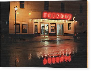 Parkway Night Wood Print by Dale R Carlson