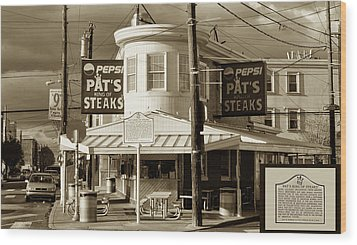 Pat's King Of Steaks - Philadelphia Wood Print by Bill Cannon