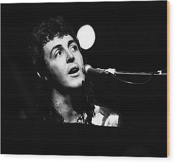Wood Print featuring the photograph Paul Mccartney Wings 1973 by Chris Walter